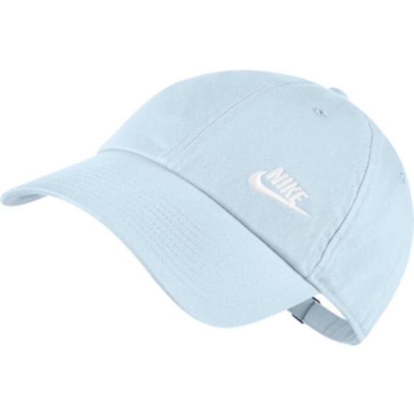 7636bd51d2d Nike Women s Twill H86 Adjustable Hat. M 5b71d6972beb7977518814f6